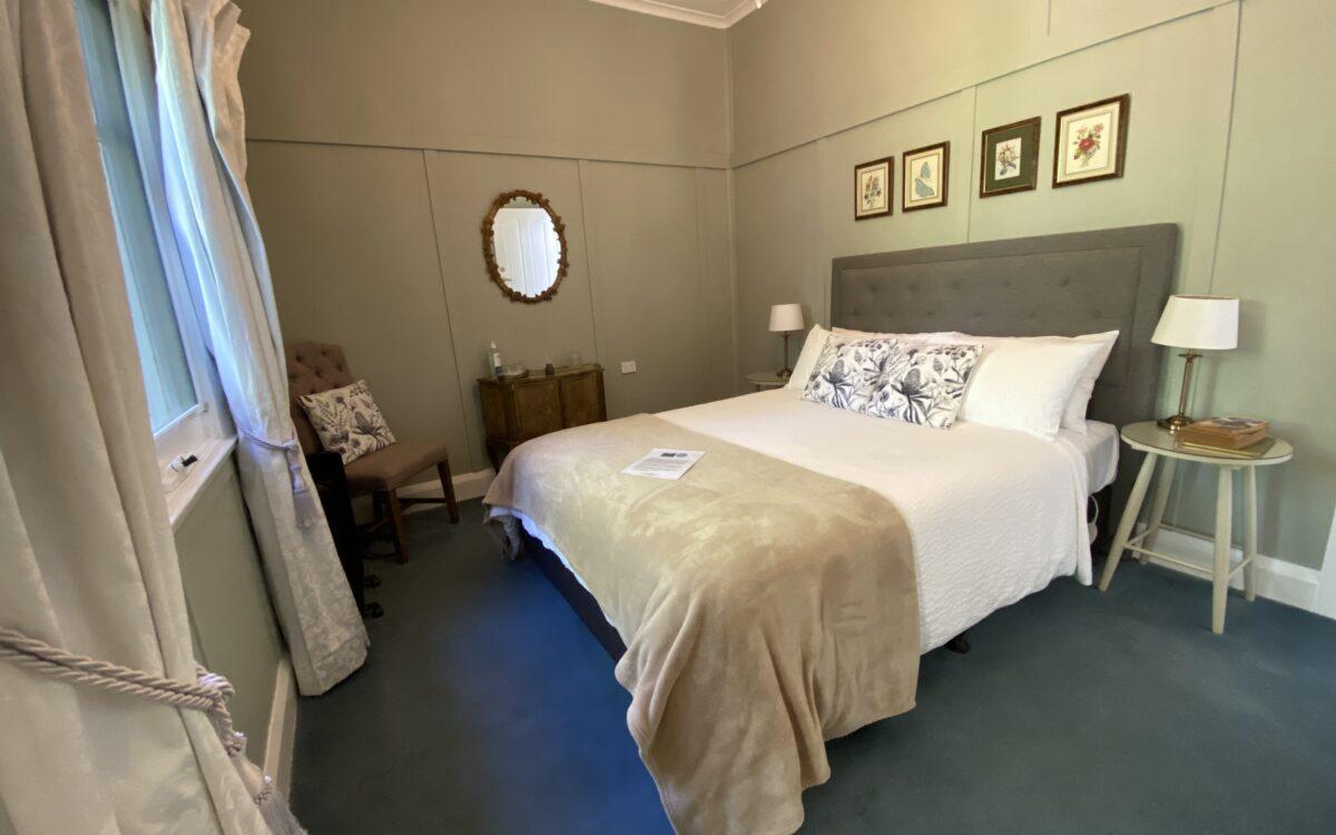 Room 9 Queen Ensuite Room